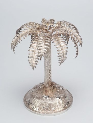 GH003567; Table centrepiece; about 1890; Grady, Frank ; view 3 (image/tiff)