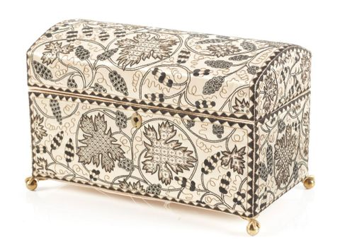 PC000875; Casket or workbox; 1920-30; Soldiers Embroidery Industry ; 3/4 view 01 3qv 01 (image/tiff)