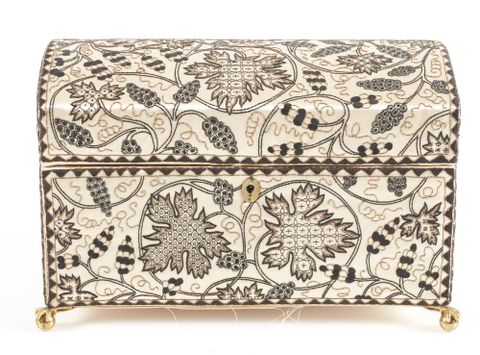 PC000875; Casket or workbox; 1920-30; Soldiers Embroidery Industry ; view Front (image/tiff)
