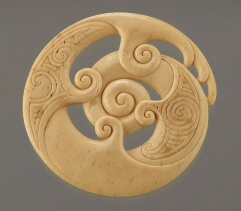 Koru amulet and presentation box