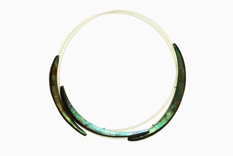 Michael Couper, <EM>Necklace</EM>, mid-1980s, paua, nylon fishing line, sterling silver, 170 mm diameter, Artist Collection