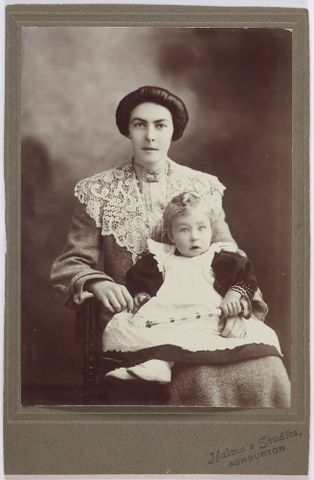 O.041064; Winifred Hood (Tweedie) and baby Lawrence Hood; circa 1902; New Zealand European; Halma & Co (image/tiff)