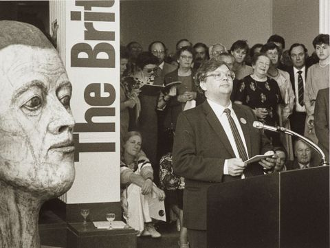 David Lange speaking at the opening of The British Show, 1985. Photograph National Art Gallery/Te Papa