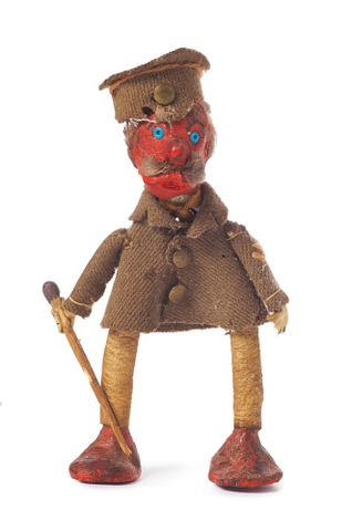 Soldier doll, 1916, New Zealand, by Dorothy Broad. Gift of the Abraham family in memory of Dorothy Broad, 2009. © Te Papa. CC BY-NC-ND licence. Te Papa (GH016401)