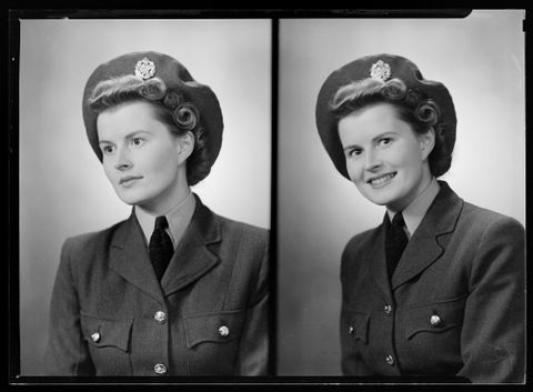 Mrs John Addison (WAAF), 1944. By Spencer Digby Studios. Half-plate negative. Te Papa, B.057959