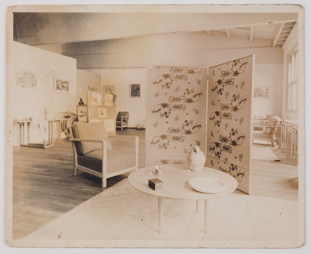 CA000124/001/0032; The Gallery of Helen Hitchings (interior of Gallery); 1950s