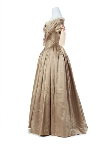 PC001362; Ball gown; 1839-1840; Unknown ; view 3 (image/tiff)