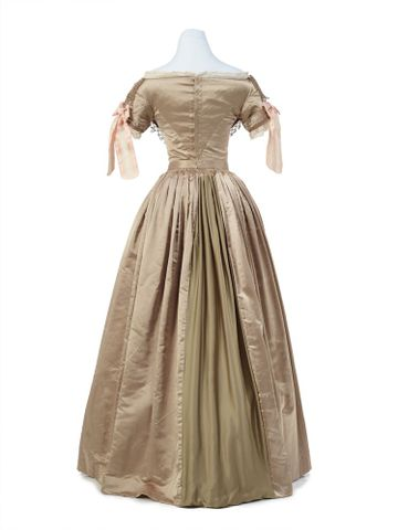 PC001362; Ball gown; 1839-1840; Unknown ; view 5 (image/tiff)