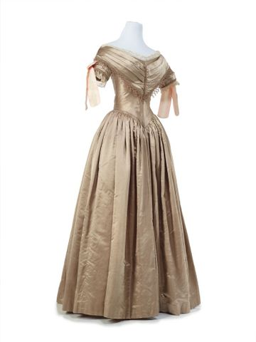 PC001362; Ball gown; 1839-1840; Unknown ; view 7 (image/tiff)