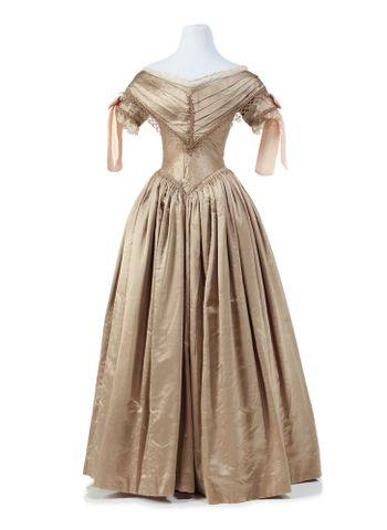 PC001362; Ball gown; 1839-1840; Unknown (image/tiff)