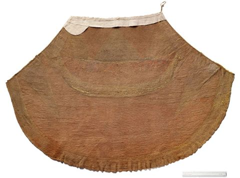FE000327; 'ahu 'ula ( feathered cloak); 1700s; Hawaiian; Unknown ; Recto; Before treatment; view 01 (image/tiff)