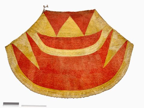 Hawaiian feather cloak ('ahu 'ula) and helmet (mahiole)