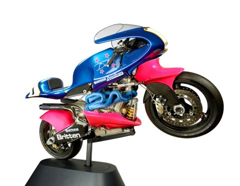 T000649; Britten V1000 motorcycle; 1992; Britten Motorcycle Company Ltd ; Right; Side; view 02 (image/tiff)