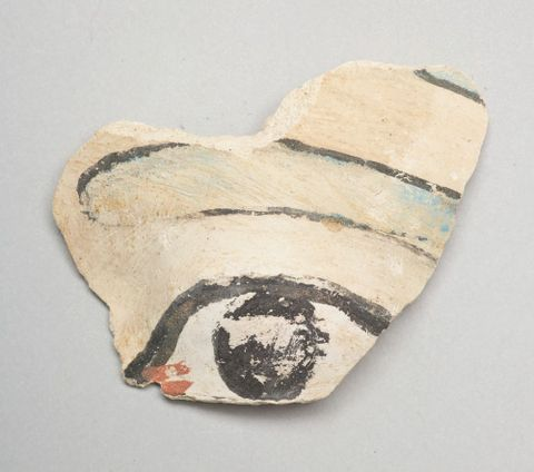Painted 'eye' fragment
