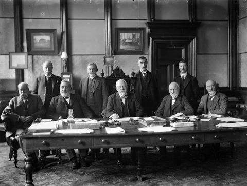 Bank of New Zealand officials, including Harold Beauchamp. S P Andrew Ltd :Portrait negatives.