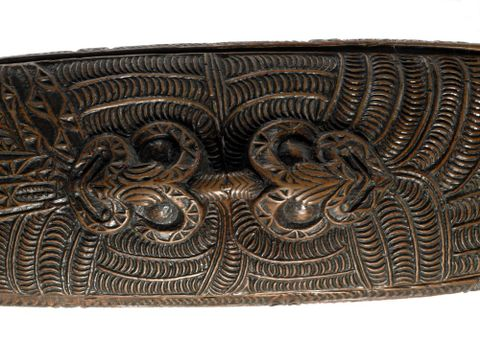 OL001061; Waka huia (treasure box); 1800 ; detail 1 (image/tiff)
