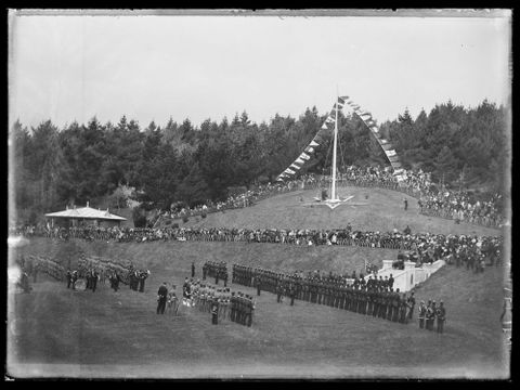 B.027794; Dominion Day Parade; 25.09.1907; Brockett, Frederick (image/tiff)
