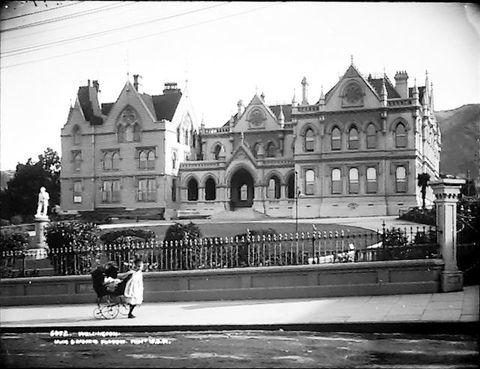 Parliament, circa 1901, Wellington. Muir & Moodie. Te Papa