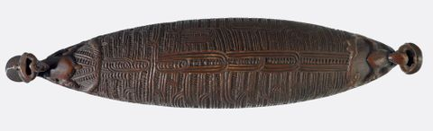 WE001809; Waka huia (treasure box) ; view 1 (image/tiff)