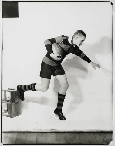 O.002660; Untitled (footballer); 1931 ?; Burt, Gordon H. (image/jpeg)