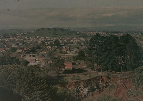 A.018203; Mount Hobson from Mount Eden; 1913; Walrond, Robert (image/tiff)