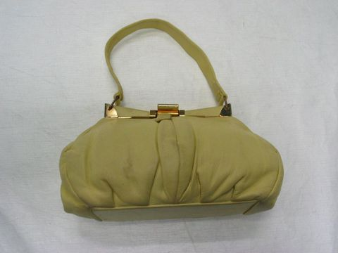 GH15806/1; Bag, woman's; Circa 1950; Finesse (image/jpeg)