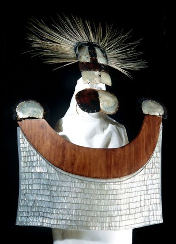 Chest apron (ahu parau), 1700 s and Headdress (parae), 1700 s - FE000336 (image/tiff)