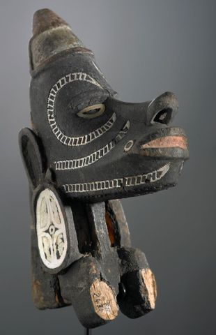 FE002431; NguzuNguzu (war canoe prow figurehead); unknown (image/tiff)