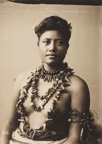 Samoan woman with armlet