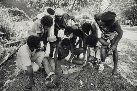 "Kanak insurgents read inaccurate story in ""Paris Match"", New Caledonia, 1984"