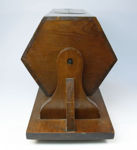 GH003641; Ballot Box; 1916; unknown; wood; New Zealand (image/jpeg)